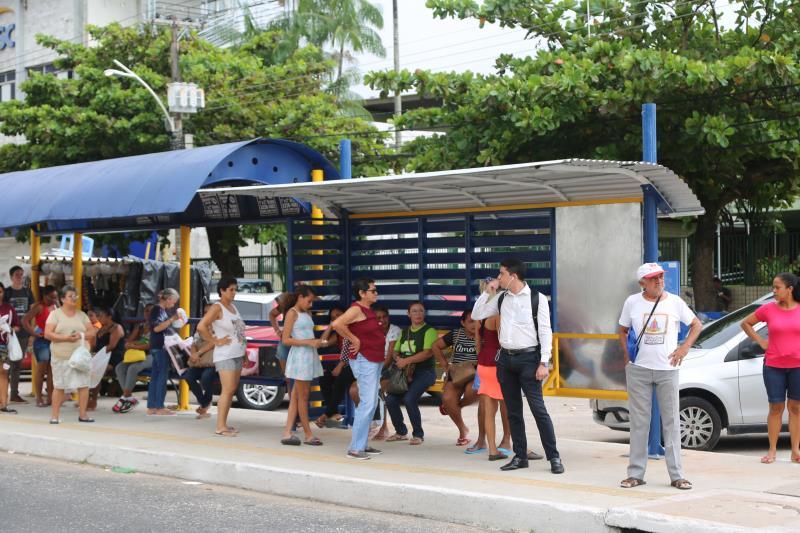 Os abrigos nas paradas de ônibus, a serem substituídos ou implantados, também foram definidos em conjunto entre Seurb e Semob