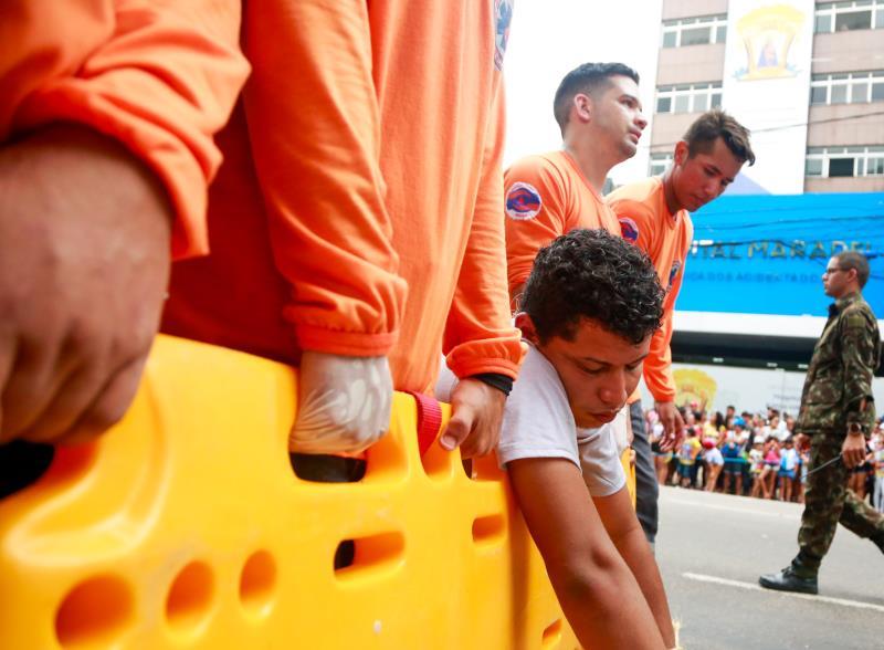 Um promesseiro que recebeu ajuda dos voluntários da Defesa Civil Municipal