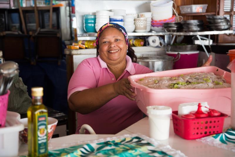 """""""Nós aprendemos, desde o básico até à prática e aprendemos tudo. Então, pra mim, o curso é muito bom"""", elogiou Lúcia Torres, boieira do Ver-o-Peso e integrante do projeto"""