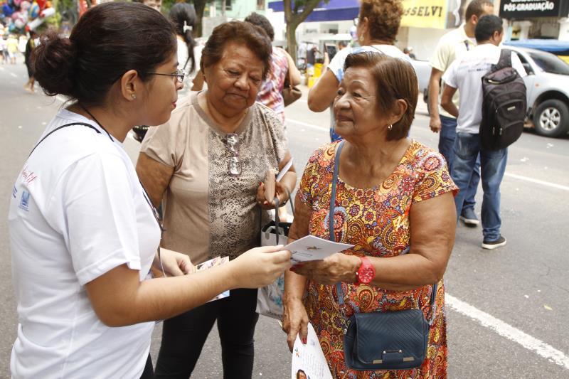 Setenta servidores da Funpapa distribuíram panfletos informativos em uma ação de sensibilização de enfrentamento ao trabalho infantil