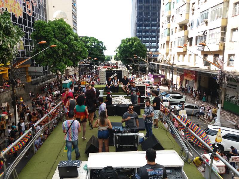 A concentração da Parada LGBTI foi na escadinha do cais do porto, subindo as avenidas Presidente Vargas, Nazaré e Magalhães Barata