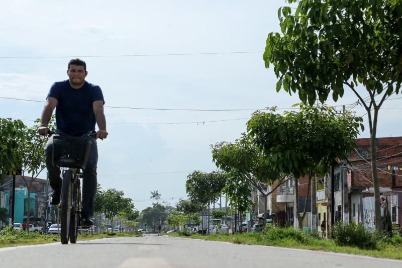 Para quem usa a bicicleta todos os dias como único meio de transporte e garantir o sustento da família, as ciclovias proporcionam segurança a quem passa diariamente pelo trecho para trabalhar