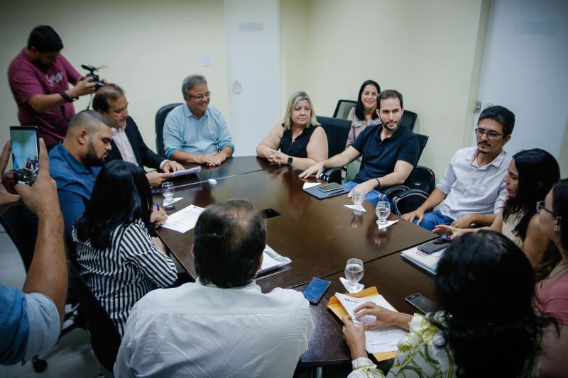 """""""Com esta assinatura marcamos o início das obras do hospital que atenderá aos anseios da população"""", disse o prefeito Zenaldo Coutinho"""