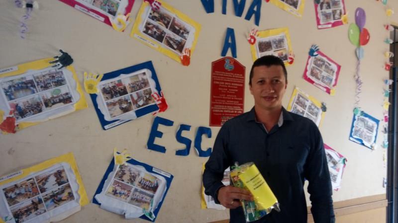 O diretor da escola, Sérgenson Nascimento afirma que a educação é um trabalho conjunto.