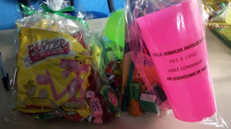 Ao final da prova foram distribídos brindes para parabenizar a participação dos alunos.