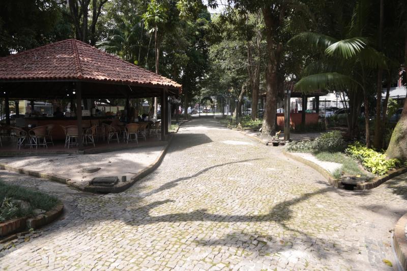 O prefeito Zenaldo Coutinho assinou na noite desta segunda-feira, 29, ordem de serviço para a revitalização da praça Milton Trindade, conhecida como Horto Municipal, em Batista Campos