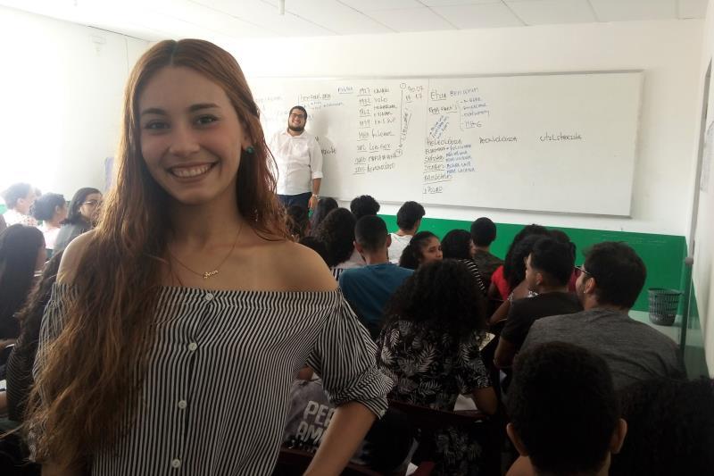 Raissa Mendes da Costa, 22 anos, ex-aluna que foi motivar os alunos