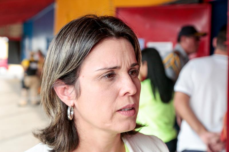 Luciana Vasconcelos - Reunião Pública de Retomada das Obras Sub Bacia 1 da Bacia da Estrada Nova
