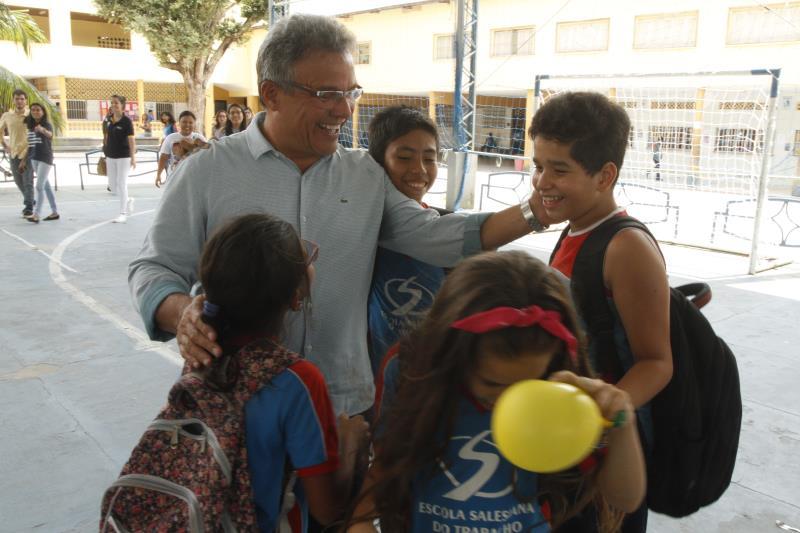 Alunos da Escola Salesiana deram as boas-vindas ao prefeito Zenaldo Coutinho