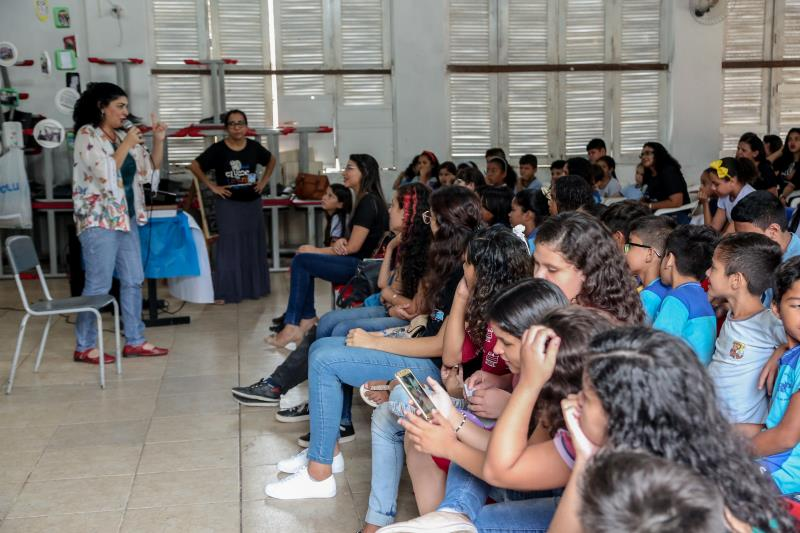O projeto apresenta as ações de incentivo e socialização da leitura, com a participação dos alunos do 3° e 4° ano, comunidade e dos ex-alunos da escola que continuam no clube.