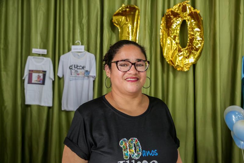 A empregada doméstica, Eunice Lima Gonçalves Silveira é mãe de Leandro, que ainda estuda no espaço e de Letícia Silveira, ex-aluna da escola.