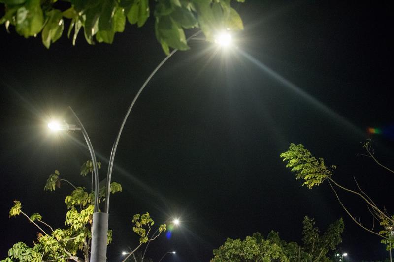 A Seurb  também executa, diariamente, o serviço de manutenção de lâmpadas e luminárias nos postes de iluminação pública.