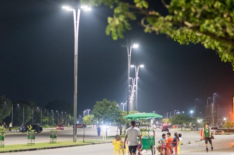 De acordo com o diretor do Departamento de Iluminação Pública (DIP) da Seurb, Manoel Machado, as lâmpadas em LED são mais econômicas e eficientes.