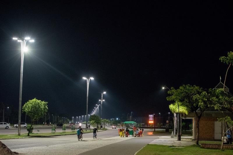 Desde 2013, a Prefeitura tem renovado e ampliado o cenário de iluminação pública da capital e distritos, com substituição das lâmpadas a vapor de sódio, de cor amarela, pelas de cor branca, além da instalação de novos pontos de iluminação.