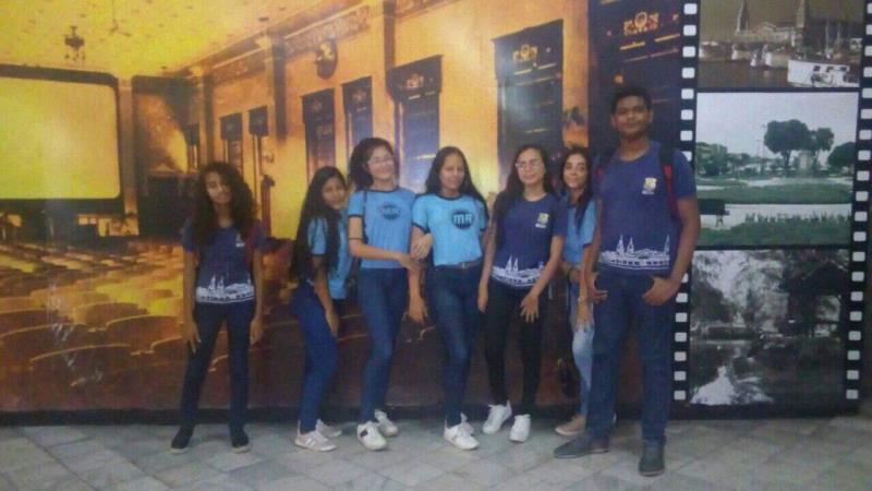 Alunos da Escola Municipal Maria Madalena Raad assistiram os filmes nesta quarta, 13, no Olympia