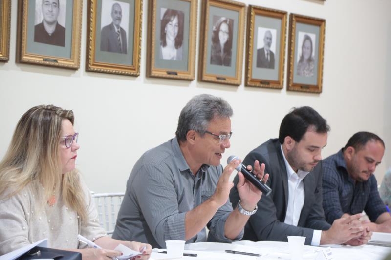 """O prefeito Zenaldo Coutinho, presidente do CDU, ressaltou: """"Temos 20 profissionais que trabalham na revisão do plano e dos seus instrumentos e legislação complementar"""""""