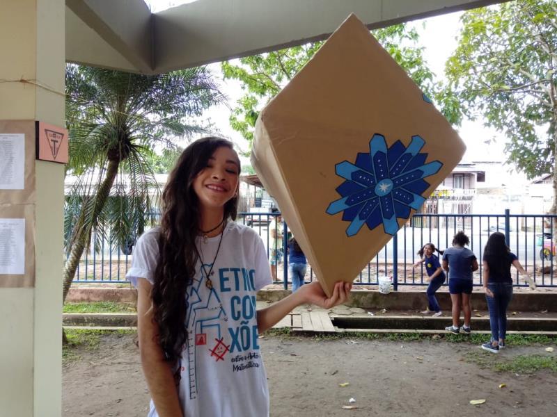 A adolescente Marielly Nascimento, estudante do 8° ano