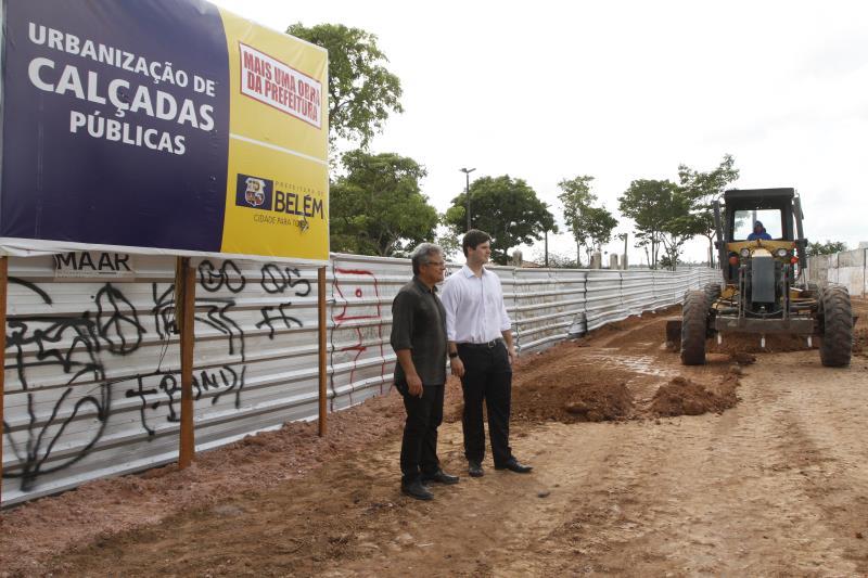 2019.11.26 - PA - Belém - Brasil: Prefeito Zenaldo Coutinho visita obras da praça Princesa Isabel e do calçadão do Iate.