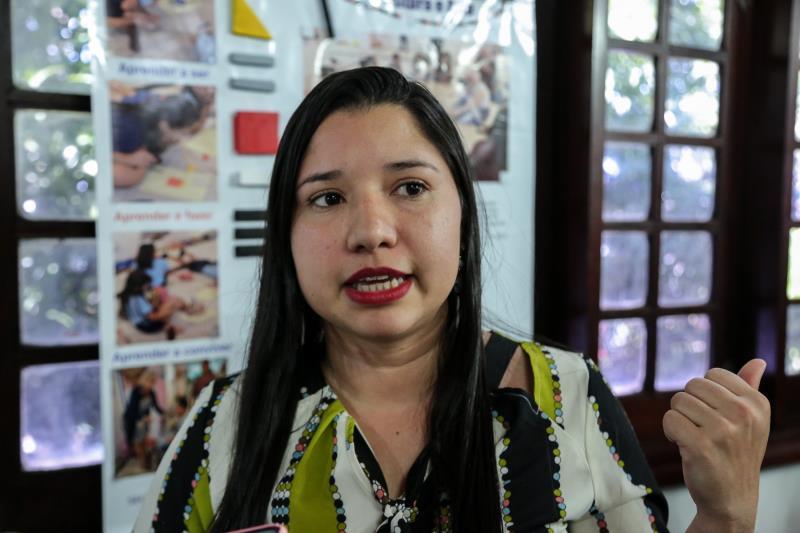 Karina Portal, diretora da escola Municipal Comandante Klautau, do bairro do Barreiro, conta com orgulho sobre os trabalhos desenvolvidos na escola, que resultaram em premiação