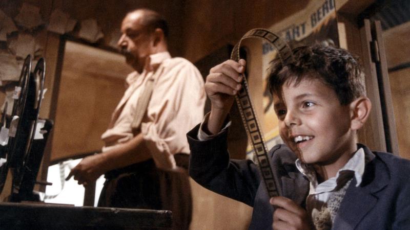 """""""Cinema Paradiso"""" será exibido em homenagem a Ennio Morricone, que compôs a a trilha sonora do filme"""