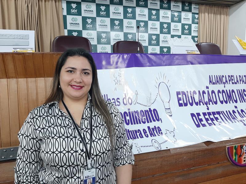 """""""O seminário buscou socializar nossos conhecimentos, apresentando a educação trabalhada em suas diferentes formas dentro das escolas"""", disse Karina Bordalo, coordenadora do Centro de Formação de Professores da Semec"""