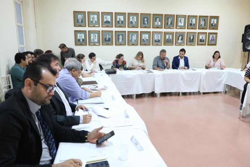 """""""O cronograma de revisão foi aprovado e a metodologia de consulta popular ainda será detalhada e com a contribuição dos conselheiros"""", disse o prefeito Zenaldo Coutinho"""