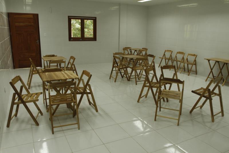 Uma parceria entre a Prefeitura de Belém e a empresa Tramontina permitiu o mobiliário novo da escola