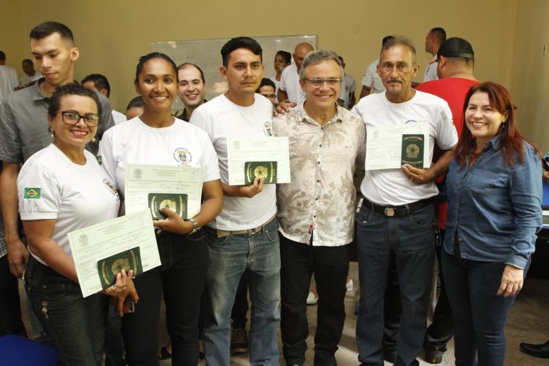 O prefeito Zenaldo Coutinho participou da solenidade de formação de 58 alunos do curso de Formação de Aquaviários