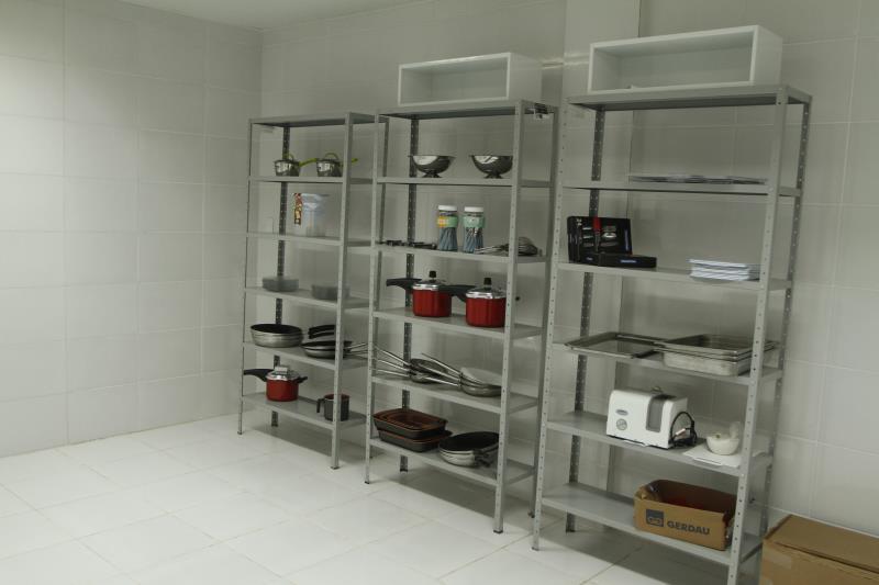 A cozinha da escola é equipada com o que de mais moderno existe na área de gastronomia