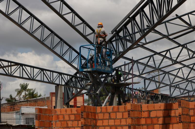 A estrutura metálica de sustentação e a cobertura atual foram removidas para dar lugar a novas estruturas