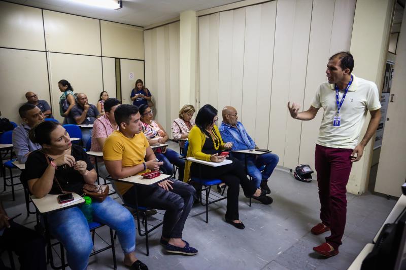 O instrutor do Portal do Trabalhador, Marcos Adolfo Tenório, conduziu o planejamento e sensibilizou os servidores para cada vez mais proporcionem um acolhimento humanizado aos que procurarem atendimento no local