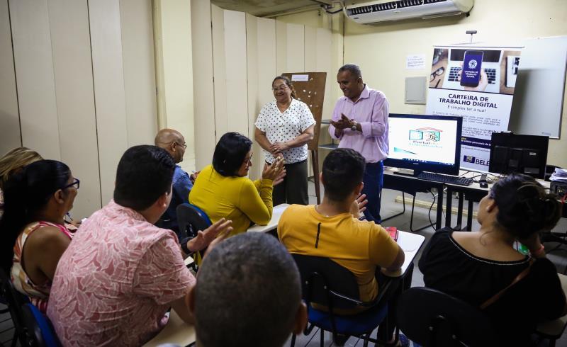 Na reunião foram mostrados a ações do Portal, como o projeto Oficina do Emprego, que oferece cursos de curta duração, como o de orientação para elaboração de currículo, postura para entrevista de empregos e outros