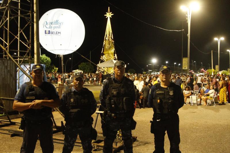 A Guarda Municipal de Belém (GMB) contou um contingente de 100 agentes, sendo 60 operacionais e 40 táticos, durante a festa de réveillon no Portal da Amazônia