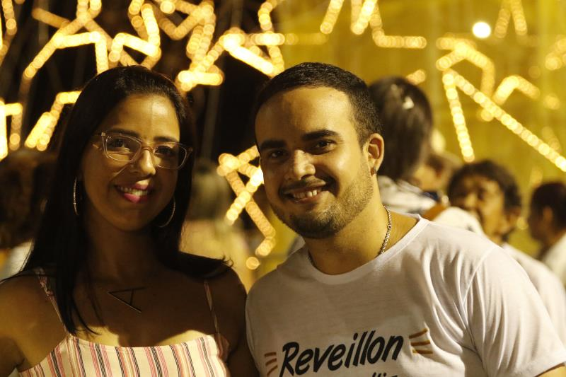 Casais aproveitaram a festa de réveillon, promovida pela Prefeitura de Belém, no Portal da Amazônia