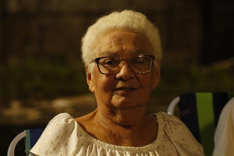 """""""Quero muita saúde, muita paz e que nosso Brasil consiga superar toda essa crise que estamos passando"""", celebrou dona Suely de Lima, de 79 anos"""