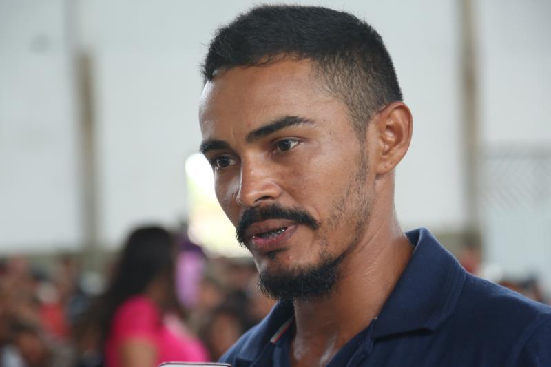 """Para o líder comunitário, Neto Souza, a ação vem fortalecer a esperança das famílias. """"A ação superou nossas expectativas, além de amenizar a dor e o sofrimento dessas pessoas"""", disse."""