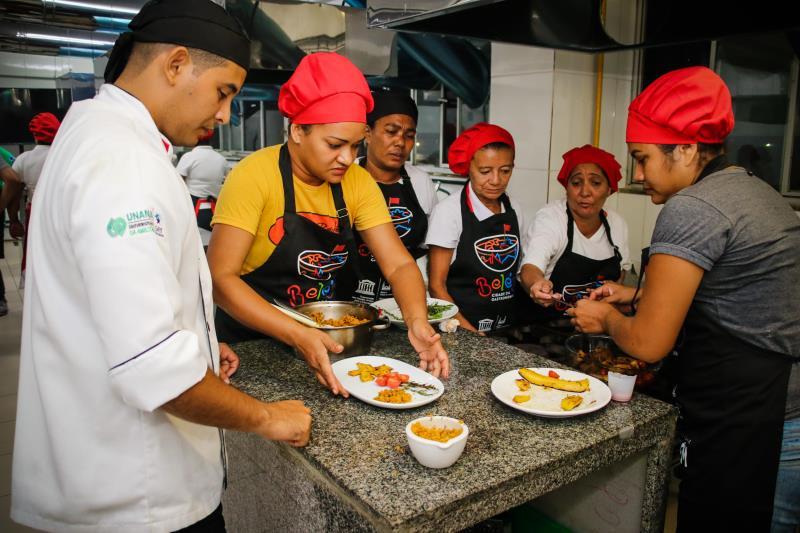 Para o concurso, as boieiras participaram de cursos ofertados pela Prefeitura de Belém nas salas do curso de Gastronomia da Universidade da Amazônia (Unama), com chefs  locais