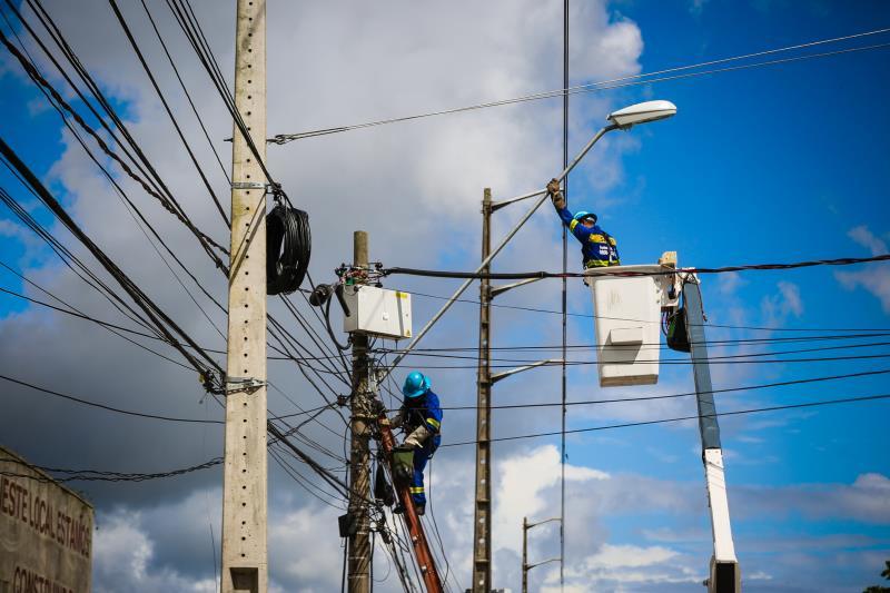 As ruas do bairro do Guamá estão recebendo novos pontos de iluminação. Entre 2016 e 2019, o bairro já havia recebido a substituição de 1.778 pontos, e, agora, serão 250 novos conjuntos de iluminação