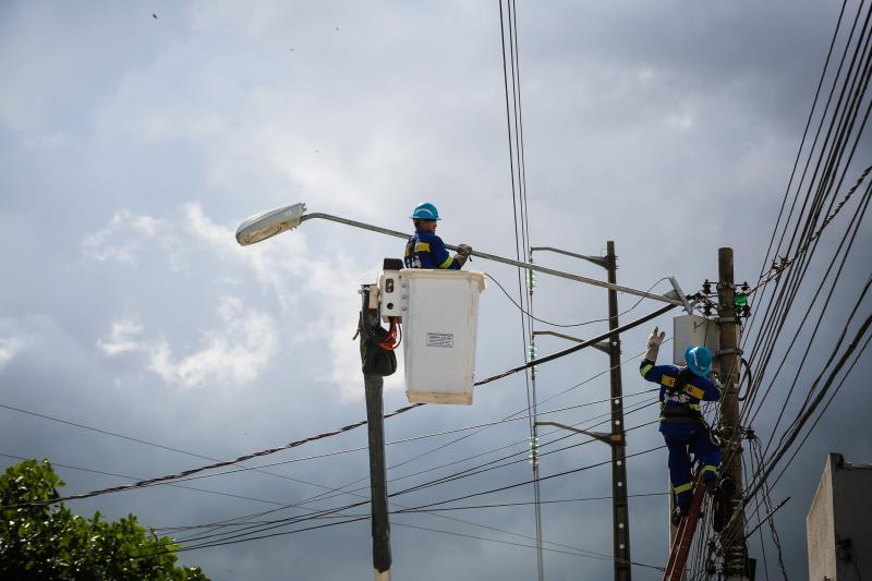 Recentemente, a avenida Barão de Igarapé Miri, no bairro do Guamá, começou a receber nova iluminação