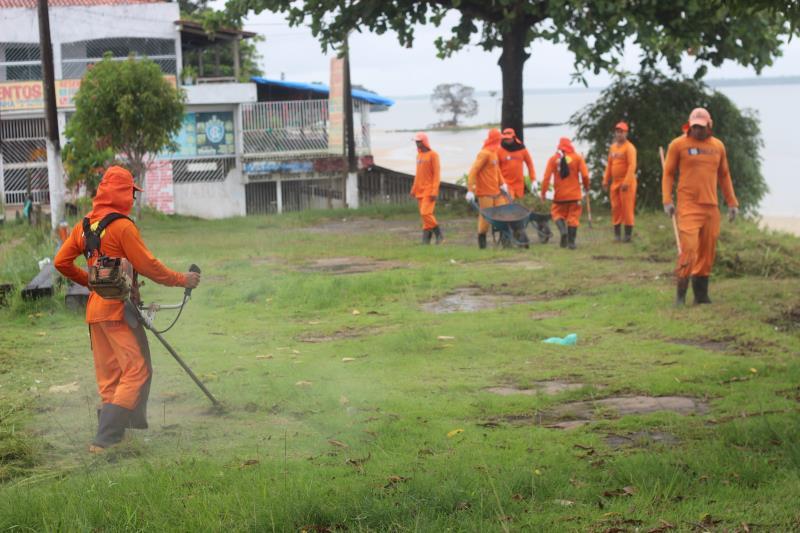 Iniciada na segunda-feira, 6, a operação Inverno, da Prefeitura de Belém, intensificou ações de limpeza instalando frentes de trabalho em ruas do distrito de Outeiro, e conta com o trabalho de 60 agentes de serviços urbanos da Arout e da Sesan