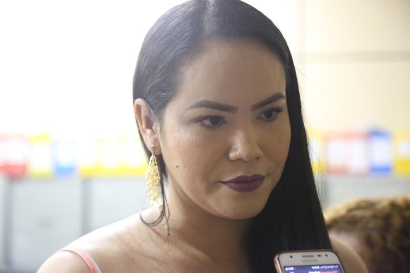 Pensando em aproveitar o começo de ano para uma nova capacitação, Camila de Jesus, de 33 anos, buscou o Fundo para realizar o curso de atendente de farmácia