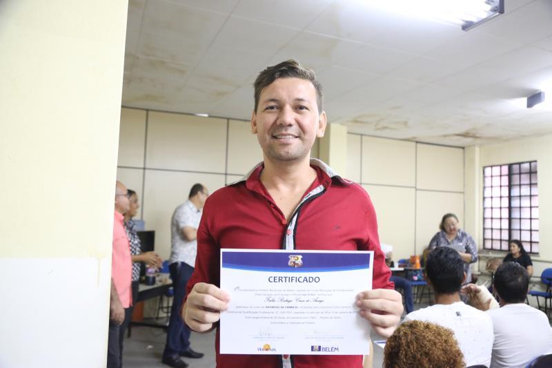 Para Fábio Rodrigues, de 30 anos, técnico de enfermagem, o curso ofereceu uma melhor conscientização de como lidar com os clientes