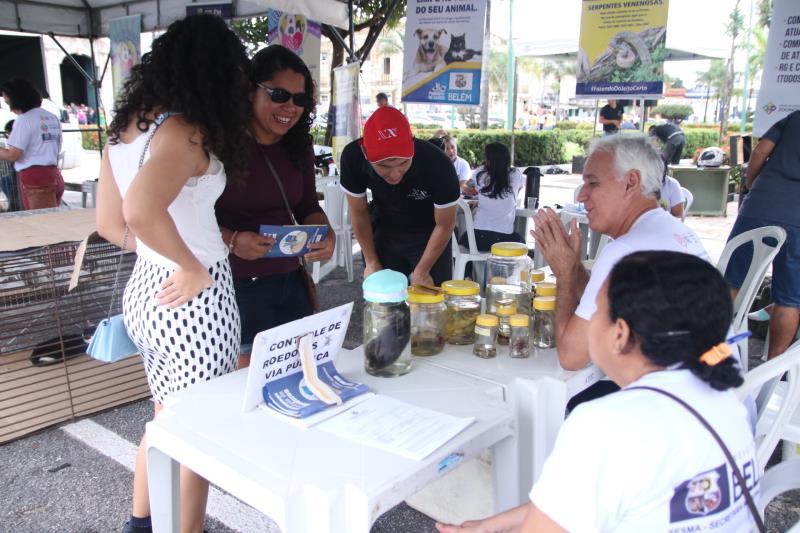 A feira teve ainda com orientações sobre animais peçonhentos e doenças como leptospirose e leishmaniose.