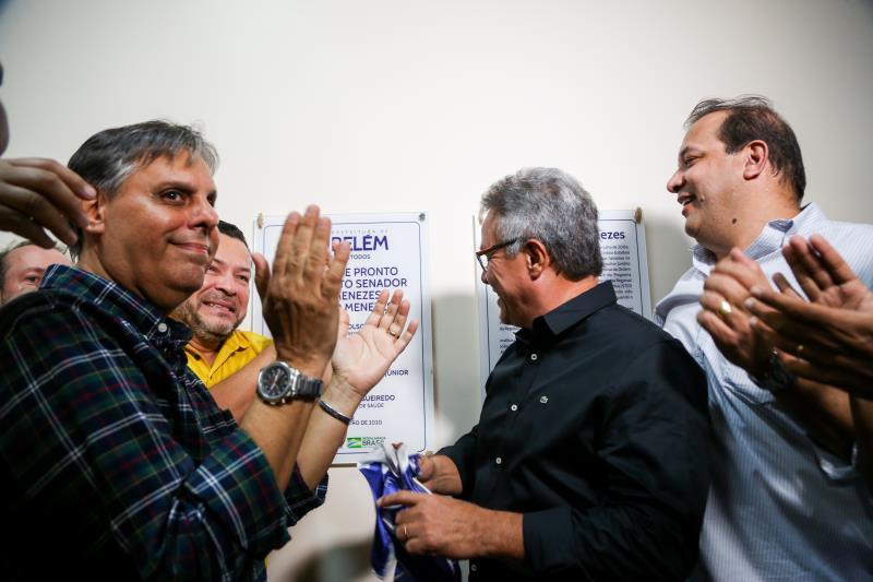 A placa da UPA João Menezes foi descerrada pelo prefeito Zenaldo Coutinho na tarde deste domingo, 12