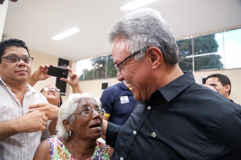 O prefeito Zenaldo Coutinho recebeu agradecimentos da população, que acompanhou a inauguração