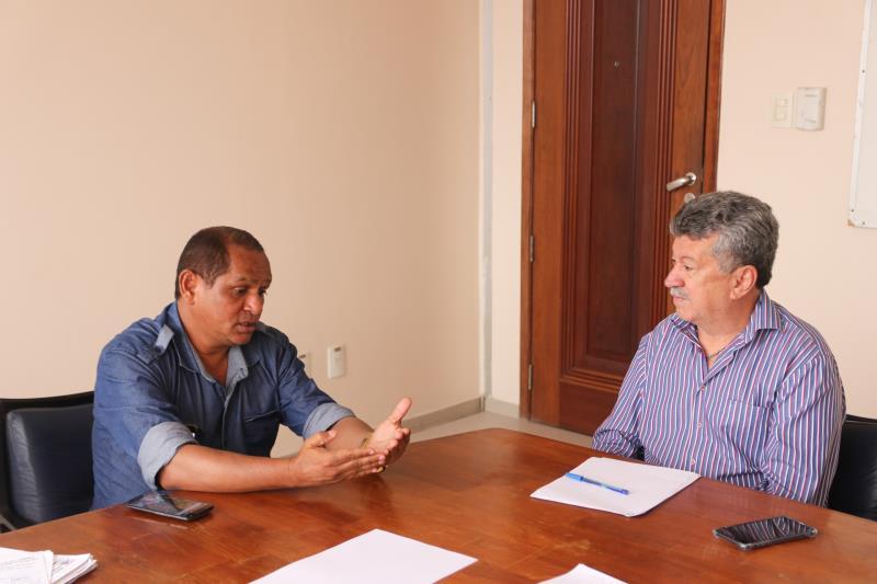 Ronyvaldo Souza de Andrade, presidente do Sindicato dos Guardadores de Carro de Belém (à esquerdaq) e o Superintendente da Semob, Gilberto Barbosa, conversaram a questão do projeto dos estacionamentos rotativos em Belém