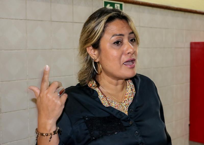 Acolhimento, ambiência, valorização do trabalhador são algumas questões abordadas pela palestrante Viviany Cardoso