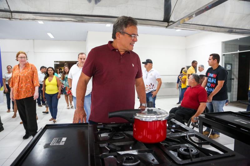 A cozinha industrial da Escola Bosque também passou por reformas importantes