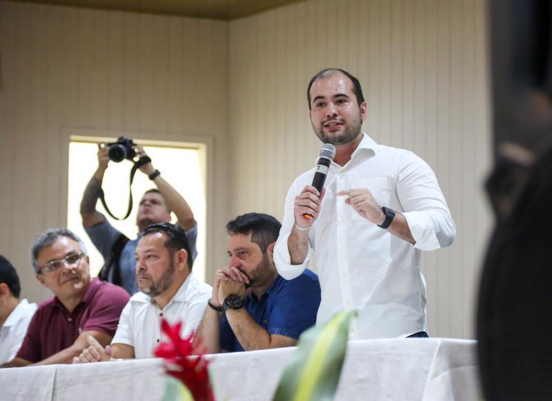 Yan Miranda, agente distrital de Outeiro, conversou com os convidados e agradeceu a presença de todos