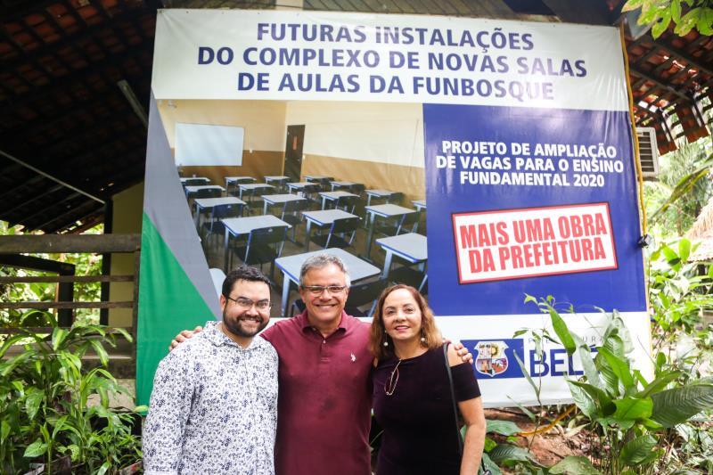 Igor Fonseca, diretor da Escola Bosque, prefeito Zenaldo Coutinho e a titular da Semec, Socorro Aquino participaram da entrega de espaços reformados na Escola Bosque